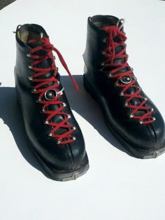 Giant Vintage Leather Ski Boots - Black