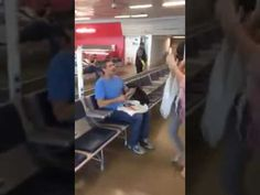 Lindbergh Farias e HUMILHADO em Aeroporto GENTE OLHA O LADRAO PETISTA AQUI