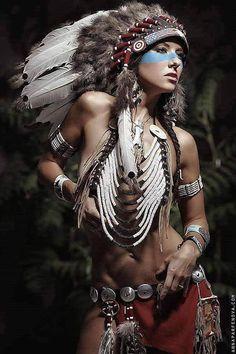 Billedresultat for nude indian headdresses Native Girls, Native American Girls, Native American Beauty, Native Indian, Indian Girls, Headdress, Indian Headress, Indian Beauty, Indiana