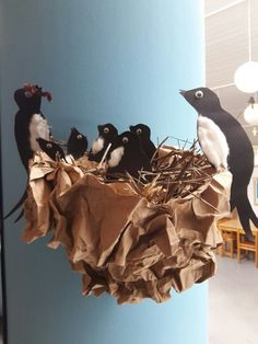 Easy valentine crafts for kids to make – Artofit Classroom Decor Themes, Art Classroom, Valentine Crafts For Kids, Easter Crafts, Diy And Crafts, Arts And Crafts, Safari Decorations, Animal Crafts, Art Plastique