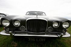 Classic Car News Pics And Videos From Around The World Dream Machine, Jaguar, Cool Cars, Antique Cars, Classic Cars, Around The Worlds, Vehicles, England, Gentleman
