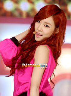 [포토엔]태티서 티파니 '매혹적인 눈빛' / 뉴스엔 / May 15, 2012 / #Tiffany #TaeTiSeo #SNSD