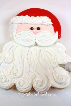 ♔ Sweet Santa Claus Cake Tutorial ~ His face is a round cake and his beard cupcakes Christmas Cupcake Cake, Christmas Cupcakes Decoration, Holiday Cupcakes, Christmas Cakes, Christmas Desserts, Christmas Recipes, Christmas Goodies, Christmas Baking, Christmas Treats