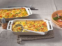 Rice and vegetable casserole with carrots and peas I Love Food, Good Food, Yummy Food, Veggie Recipes, Vegetarian Recipes, Healthy Recipes, Easy Cooking, Cooking Recipes, Vegetable Casserole