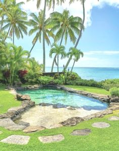 These backyard swimming pools take outdoor recreation to the next level - Backyard pool designs - Beach Entry Pool, Backyard Beach, Backyard Pool Designs, Small Backyard Pools, Swimming Pools Backyard, Pool Spa, Swimming Pool Designs, Pool Landscaping, Outdoor Pool