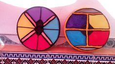 Escudos hechos de cartón