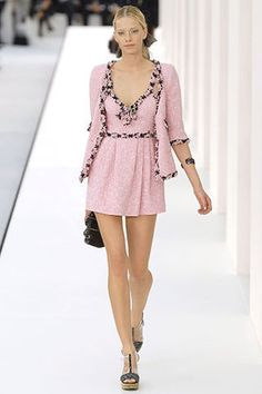 Adorable pink tweed #chanel