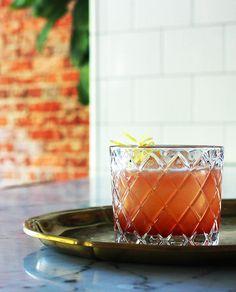 Whiskey sour riff: Sour Italia  2 oz. rye whiskey ¾ oz. fresh lemon juice ½ oz. honey syrup (1:1) ¾ oz. Barolo Chinato