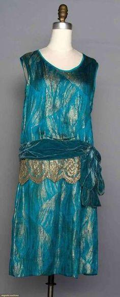 ~TURQUOISE LAME DRESS, Turquoise silk satin w/ gold frond brocade, sleeveless, velvet hip sash w/ gold lace, Gorgeous color. 20s Fashion, Fashion History, Art Deco Fashion, Vintage Fashion, Fashion Design, Edwardian Fashion, Vestido Art Deco, Style Année 20, 1920s Style