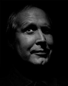 "Cornelius Crane ""Chevy"" Chase (født oktober Lower Manhattan, New York City, New York, USA Celebrity Portraits, Celebrity Photos, Popular People, Famous People, Yvette Nicole Brown, I See Stars, Rock Stars, Black And White People, Chevy Chase"