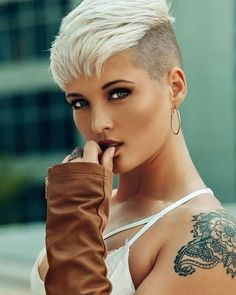 Latest hairstyles & haircuts and hair colors for short hair - hair styles for short hair Latest Hairstyles, Hairstyles Haircuts, Pixie Cut Hairstyles, Faux Hawk Hairstyles, Blonde Hairstyles, Funky Hairstyles, Wedding Hairstyles, Blonde Pixie, Blonde Hair Fade Haircut