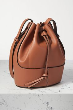 Tan leather (Calf) Drawstring top Comes with dust bag Weighs approximately Made in Spain Drawing Bag, Personal Shopping, Loewe, Small Bags, Leather Working, Tan Leather, Bucket Bag, Shopping Bag, Calves