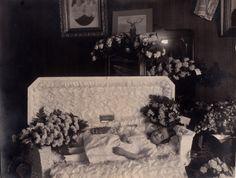 """Original Antique POSTMORTEM Photo YOUNG GIRL Early 1900's Original Frame """"LINDA"""""""