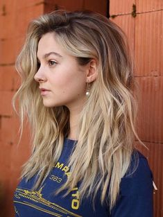Perfect styles of blonde and balayage hair colors and highlights with long hair for those women who are searching for best styles of hair colors in 2018. We've rounded up here a list of fresh balayage hair colors for you to sport in these days. Do Not search anymore, just see here and collect these amazing colors.