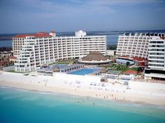 Enjoy in Paradise, looking for an unforgettable vacation in Cancun ? Here at Crown Paradise Club Hotel has everything you need. Cancun All Inclusive, Cancun Hotels, Hotels And Resorts, Riviera Maya, Puerto Vallarta Resorts, Cancun Mexico, Vacation Resorts, Mexico Travel, Club