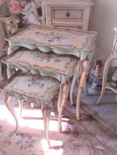 Shabby Chic Pink Paint Styles and Decors to Apply in Your Home – Shabby Chic Home Interiors Shabby Chic Mode, Shabby Chic Pink, Shabby Chic Kitchen, Shabby Chic Cottage, Vintage Shabby Chic, Shabby Chic Style, Shabby Chic Decor, Vintage Roses, Dream Furniture