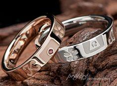 二人の出会いの思い出の桜と鍵穴、そしてイニシャルの結婚指輪