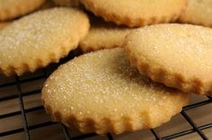 Homemade Butter Cookies - The best and easiest!- Learn how to prepare homemade butter cookies with this rich and easy recipe. Butter cookies are a delight, as well as easy to prepare …. Sugar Cookies Recipe, Cookie Recipes, Dessert Recipes, Food Network Canada, Buttery Cookies, Homemade Butter, Food Network Recipes, Baked Goods, Sweet Recipes