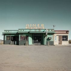 Jack Billek thinks that this is how the diner that Taylor got Turtle at looks like. It is also in the middle of no where, which is where the diner in the book was. Tumblr Feed, Usa Tumblr, Drive In, Ed Freeman, The Last Summer, American Diner, Sweet Home, Abandoned Places, Abandoned Buildings