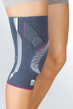 The Genumedi PT knee brace provides effective pain relief in cases of patellofemoral pain syndrome and patella lateralisation - without side-effects. The precisely positioned silicone ring surrounds the patella which is laterally reinforced by the patella tension strap. This promotes the correct sliding action and alleviates patellar tilt ensuring enhanced stability.