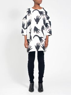Square Dress Hands Print Textile Design, Fabric Design, Style And Grace, My Style, African Fashion, African Style, Fashion Killa, Outfits For Teens, I Dress