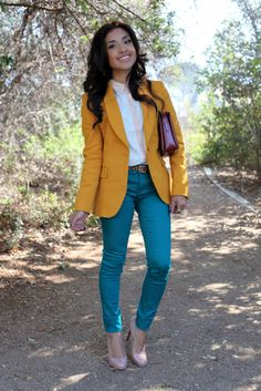 Those pants and that blazer Teal Pants Outfit, Blazer Outfits, Casual Fall Outfits, Cute Outfits, Work Outfits, Turquoise Pants, Teal Jeans, Colored Pants, Favim