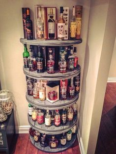 Wire Spool Shelf for liquor in your man cave. Plus 15 other spool ideas for around the house Wire Spool Shelf for liquor in your man cave. Plus 15 other spool ideas for around the house Whisky Regal, Wooden Wheel, Creation Deco, Wooden Spools, Pallet Furniture, Furniture Storage, Furniture Ideas, Smart Furniture, Handmade Furniture