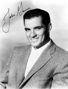 John Gavin was so handsome and his voice was pure silk.loved him in Back Street. One of my all time favorite oldies! Vintage Hollywood, Classic Hollywood, John Gavin, Herbert Lom, Romanian Girls, Jeremy Brett, Famous Names, Actor John, Renaissance Men