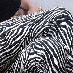 Zebrovice Striped Pants, Fashion, Moda, Stripped Pants, Fashion Styles, Striped Shorts, Fashion Illustrations, Stripe Pants