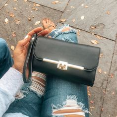 """📷 """"Traveled with this beauty over the last few weeks+ it was perfect! 😍 Chicago, Atlanta, Charlotte and Charlestone. Vegan Handbags, Eco Friendly Fashion, Vegan Fashion, Holiday Outfits, Hermes Kelly, Sustainable Fashion, Sustainability, Atlanta, Charlotte"""