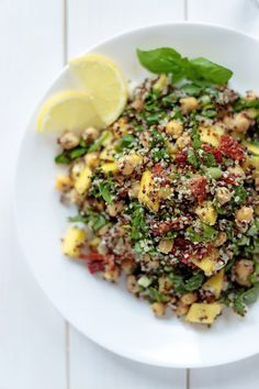 Quick, easy and light- Quinoa Salad with Mango and Spinach