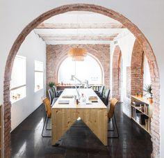 Estudi NUA > Transformation of an old store into a studio | HIC Arquitectura