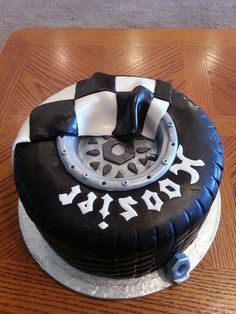 Hoosier Sprint car race tire cake!  Gotta have this for next B-day.