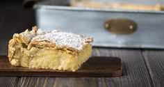 Vegetarian custard pie with phyllo by Greek chef Akis Petretzikis. A great vegetarian pie with a coconut custard in crunchy phyllo dough. Perfect for fasting! Greek Recipes, Pie Recipes, Vegan Recipes, Vegetarian Pie, Recipe For Teens, Coconut Custard, Baking Tins, Savoury Cake, Vegan Desserts