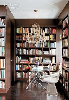 Traditional yet modern library with dark wood shelves and crystal chandelier - Home Library Dark Wood Shelves, Library Bookshelves, Bookcases, Library Room, Library Ideas, Mini Library, Dream Library, Library Design, Modern Library