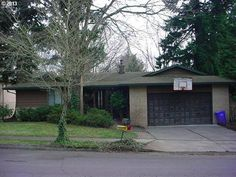 Gresham, OR home, with 2 fireplaces and a daylight basement.   Click to view the Visual Tour   Call our Office at 503-256-9723  Website: peteandersonrealty.com