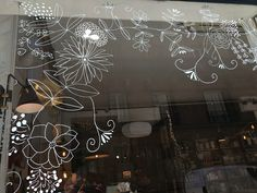 Window Stickers, Window Decals, Spring Window Display, Salon Pictures, Christmas Window Decorations, Retail Windows, Window Art, Mural Painting, Cool Fonts