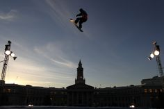 Snowboarding Huge Air | airborne during practice for the LG FIS World Cup Snowboard Big Air ...