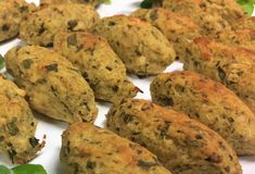 O Bolinho Low Carb Paleo feito com frango é mais uma receita para enriquecer nosso cardápio, tornando nossa dieta ainda melhor com alimentos saudáveis e que