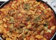 Gnocchi paradicsomszósszal Gnocchi, Quiche, Breakfast, Food, Morning Coffee, Essen, Quiches, Meals, Yemek