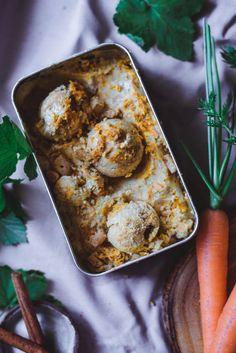 Porkkanakakkujäätelö (V, GF) – Viimeistä murua myöten Sweet And Salty, Something Sweet, Sweet Tooth, Ice Cream, Eat, Ethnic Recipes, Food, Glass, Kite