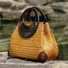 Thai version of the straw bag women& hand bag fashion retro vase vine bag t. Bags Online Shopping, Online Bags, Handbag Online, Purses Online, Straw Handbags, Purses And Handbags, Prada Purses, Ladies Handbags, Coach Purses