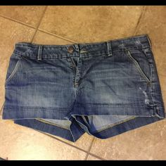 American Eagle Denim Shorts American Eagle Denim Shorts size 14. Gently worn in great condition. Feel free to make an offer. Happy Shopping!! American Eagle Outfitters Shorts Jean Shorts