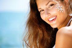 Sunscreen as an Upper lip wrinkle treatment All Natural Sunscreen, Natural Skin Care, Best Remedy For Sunburn, Homemade Sunscreen, Summer Beauty Tips, Lip Wrinkles, Wrinkle Remedies, Sun Damaged Skin, Dull Skin