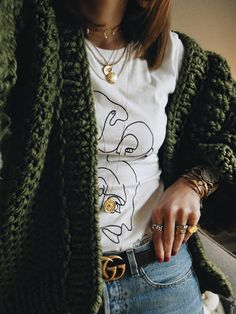 I am so passionate about layering jewellery. Especially gold. Even better at the moment if the design has a vintage touch! It's a trend that anyone on any budget can dig into, whether you can afford designer pieces or can only stretch into high street purchases..