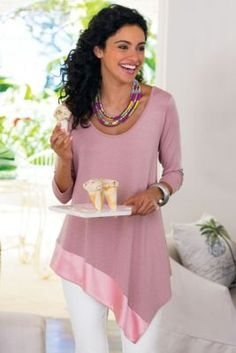 Soft Pink Asymmetrical Hem Top with Silk Border Vetements Clothing, Blouse And Skirt, Pulls, Fashion Outfits, Womens Fashion, Refashion, Dress Patterns, Beautiful Outfits, Ideias Fashion