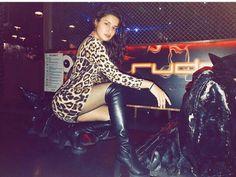 Nai tu pehan muhje kyu bol rahai hi ha 😡😡😔😭😭 Indian Actress Pics, South Indian Actress, Beautiful Indian Actress, Indian Actresses, Stylish Girls Photos, Girl Photos, Hd Photos, Teen Hotties, Kiara Advani Hot