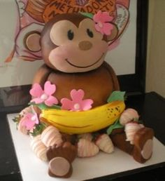 Now there's no way I can settle for a regular 3 tiered cake ;)  Awesome Girl's Monkey Cake