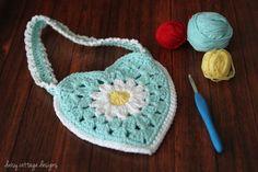 Fiber Flux...Adventures in Stitching: Pretty Purses! 20+ Free Crochet Purse Patterns...