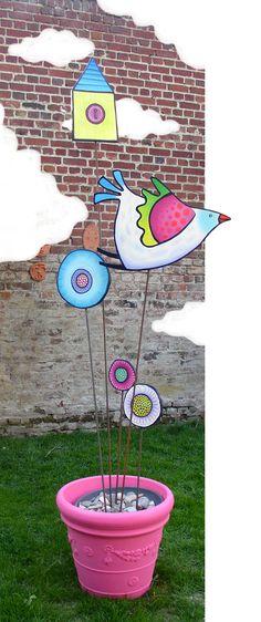 luv these: bright, cheerful, full of fun Garden Whimsy, Garden Deco, Ceramic Birds, Ceramic Flowers, Outdoor Art, Outdoor Decor, Garden Posts, Creation Deco, Camping Crafts